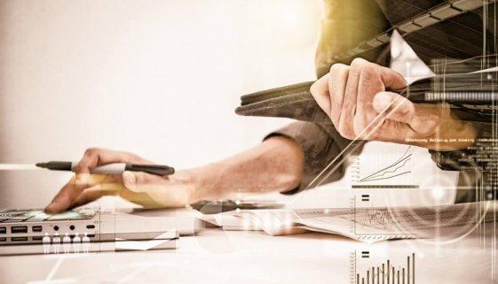 bigstock-Business-Woman-Prepare-Documen-152882819